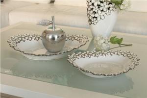 Kínáló tál virágos fehér-ezüst