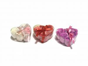 Rózsfej szappan szív dobozban három színben