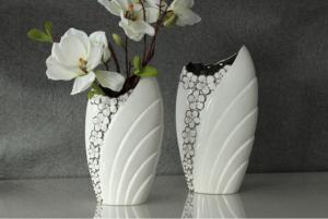 Váza virágos fehér-ezüst