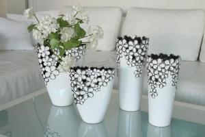 Váza virágos hosszúkás fehér-ezüst nagy