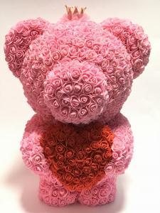 Virágmaci koronával nagy rózsaszín
