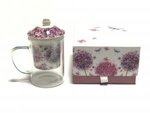 Virágmintás teáspohár szűrővel díszdobozban